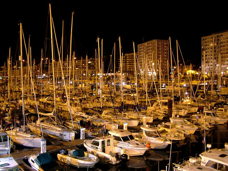 800px-Port_plaisance_boulogne_nuit